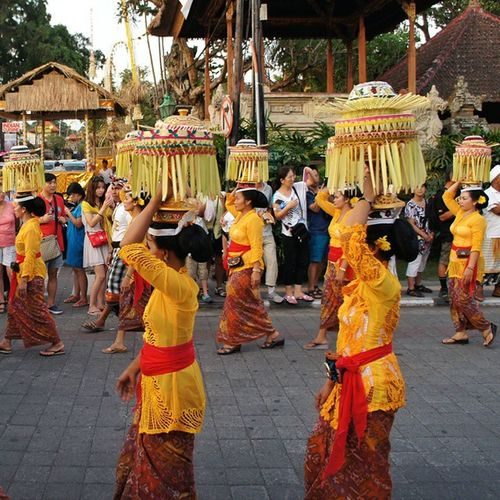 Religious Ceremony... Travel Ubud Bali Balinese indonesia people religiousceromony gununglebahtemple culture ceremonies