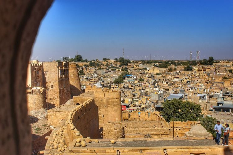 fort outside View Jaisalmer Fort Clear Sky City Sky Architecture Civilization TOWNSCAPE Rooftop Town Crowded Townhouse Old Town Residential Structure Housing Settlement