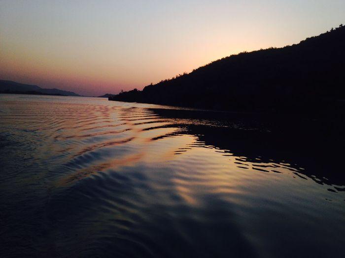 The beautiful khanpur dam. ❤️ Triptokhanpur Khanpurdam Khanpur EyeEm Water Sunset Reflectionofcolours