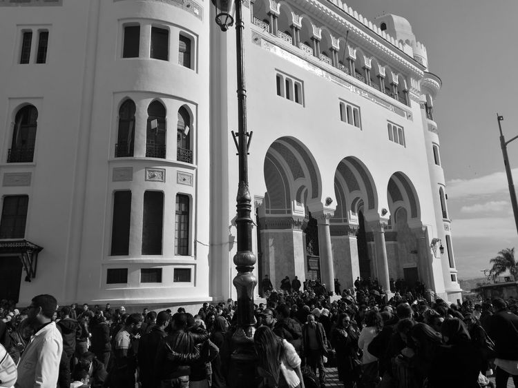 la gande poste, Alger, Algérie Architecture People Politics And Government Doctors Manifestation Adult Adults Only Day Indoors