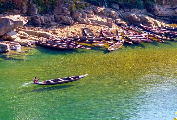 Move on At Work India Meghalaya Northeast India Clear Water Dawki Shilllong Water Nautical Vessel Men Rowing Boat Water Vehicle Paddling