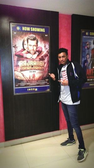 Instaclick Instapic Movie Time Inox .with clg friends had lot of fun Salman 😍❤💪 Beingsalmankhan