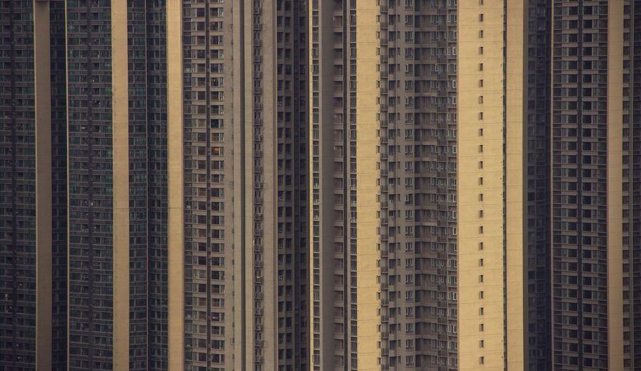 蜗居 City Architecture Skyscraper In A Row Window Apartment Built Structure Backgrounds Yellow Modern Building Exterior Cityscape Indoors  No People Day