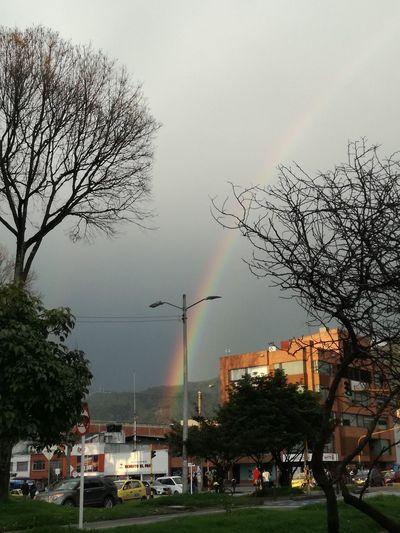 The Secret Spaces Arco Iris Calma En La Tormenta Un Espacio En La Ciudad