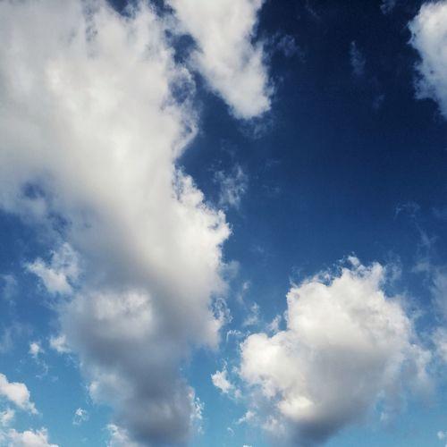 It's the largest ocean in the sky. Sky Sky And Clouds Skyporn Minimalism EyeEm Best Shots EyeEmNewHere EyeEm Gallery EyeEm Selects EyeEmBestPics Minimal Calm Clouds Cloud Cloud - Sky White Blue Blue Sky Shadow