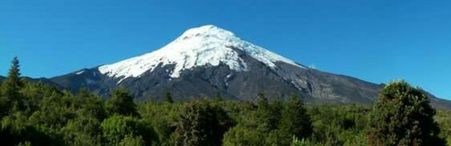 Hello World Natural Beauty Nature_collection Adventuretime Enjoying Life Exploring Nature Capturing Freedom Andesmountains Walking Around Beautiful Nature Cordillera De Los Andes Relaxing Osorno Chile Volcan Osorno Chile♥ Vulcano Beautiful Mountains Mountain_collection Mountains And Sky Volcanoes
