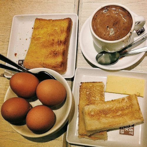 Late night snack with a visiting bruneian girlfriend Toastbox Heibee Hiam Kaya Toast Soft-boiled Eggs Milo Singapore