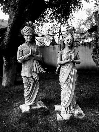 Outdoors People Day Connected By Travel Village Indian Culture  Indian Tradion Welcome Village Photography Village Couple Old Village Man Woman Statue Standing Statue Black And White Friday EyeEm Ready   The Still Life Photographer - 2018 EyeEm Awards The Troublemakers