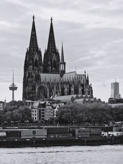 Kölner Dom Cathedral Building Exterior Architecture Built Structure Building Sky Religion Place Of Worship Spirituality Travel Destinations City