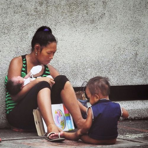 My mother was a single mom, and most of the women I know are strong.Streetphotography Urbanportrait Ig_manila Ig_philippines Mother Lifethroughmyviewfinder