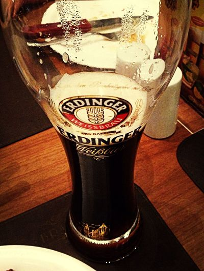 """Economize água...beba cerveja"" Erdinger Beer Lunch"
