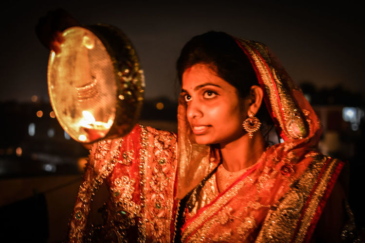 Indian Culture  Indianbeauty Karwa Chauth Nightportrait Moonlight India Indiansari Indianwomen Indianjwellery Night