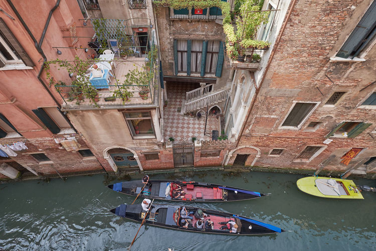 Architecture Boat Building Exterior Built Structure Canal Day Gondola Gondola - Traditional Boat Gondolier Mode Of Transport Moored Nautical Vessel Oar Outdoors Rowing Transportation Venice Water Window Window Box