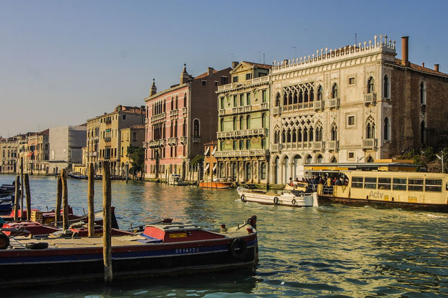 Venedig, Ohne Touristen, Lagune, Frühling, Venice, WithoutTourists, Springtime, City, Sea, Water, Historical, Old Town Architecture Boat Gondola - Traditional Boat Mode Of Transport Transportation Travel Destinations Waterfront