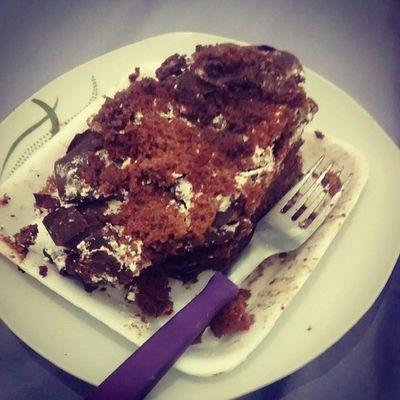 Gordice !!! ^^ Cake Chocolate  facts Caf é manha bolo nodieta saboroso intafood brazil brazillianboy brasil comer parapoder crescer eat guarujá