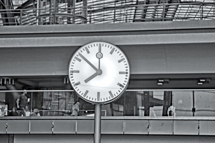 station clock bahnhofsuhr Accuracy Circle Clock Close Up Close-up Communication Control Design Full Frame Hanging Indoors  Information Large Group Of Objects No People Number Old-fashioned Round Sign Station Clock Time