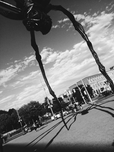 Built Structure Sculpture Maman Spider Scary Unease Blackandwhite
