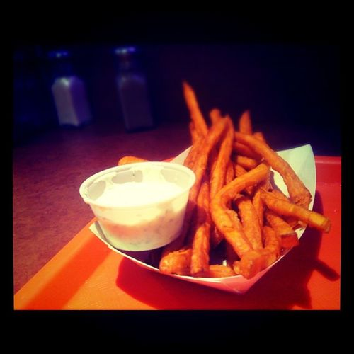 Sweet potato fries with Gardillic dip @pattyshack Oshawa Pattyshack Thepattyshack
