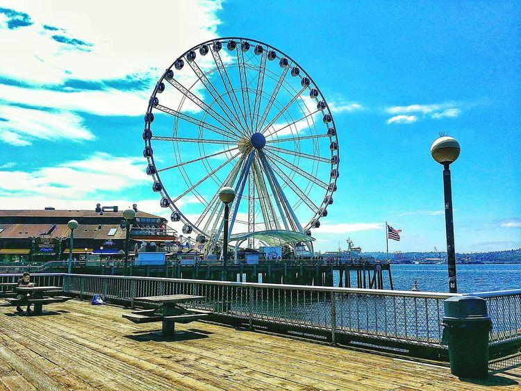 Just trying, again Ferris Wheel Cloud - Sky Washington Seattle Seahawks 12 Seattle, Washington Space Needle Huskies EyeEm