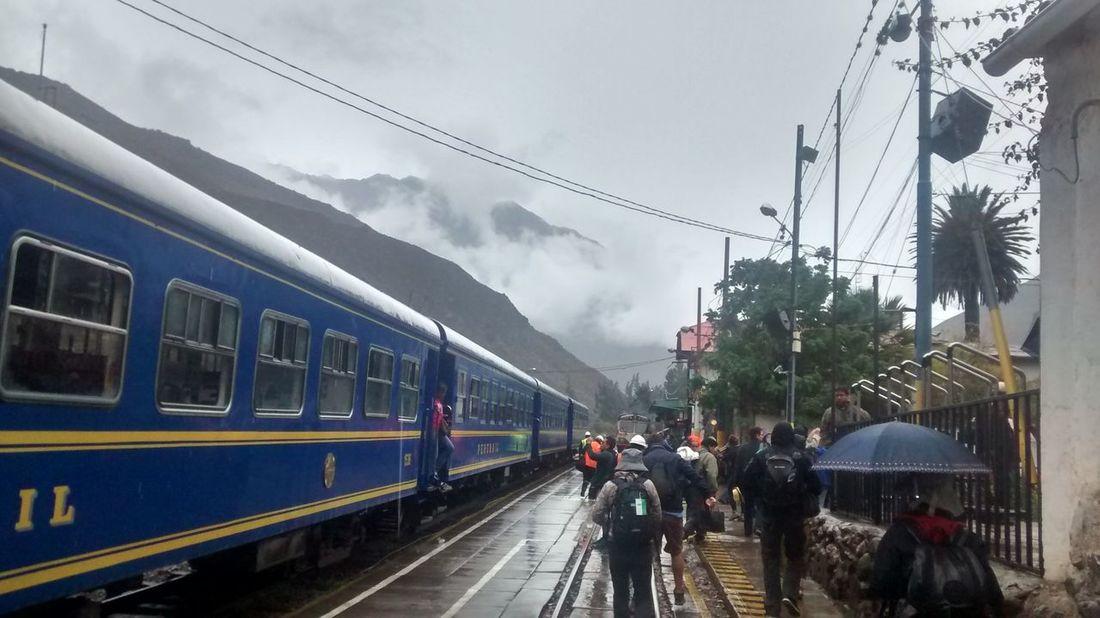 On the way do Machu Picchu Cloud - Sky Ollantaytambo - Peru On The Move Peru Railroad Station Platform Rain Rainy Days Train - Vehicle Transportation