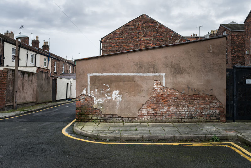With the World Cup coming to a close this weekend, we spoke to Liverpool-based photographer Michael Kirkham about his project 'Urban Goals'. For the last three years, he has travelled around the UK capturing the urban goals which inhabit some of the most deprived areas of the country: https://www.eyeem.com/blog/childhood-hopes-and-dreams-michael-kirkham-s-urban-goals