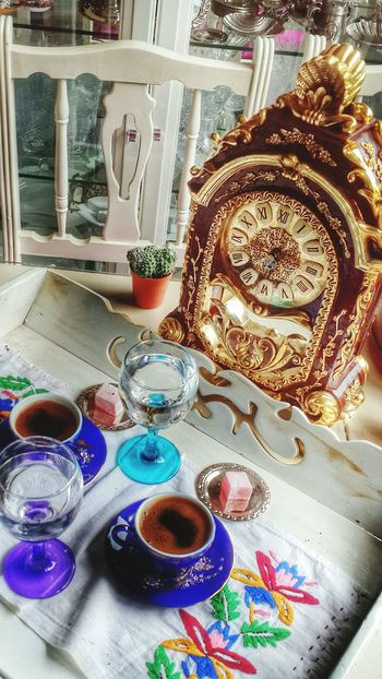 Enjoying Life Taking Photos Relaxing Home Sweet Home Clock EyeEm Best Shots Cafe Time Hanging Out ıstanbul, Turkey Turkey