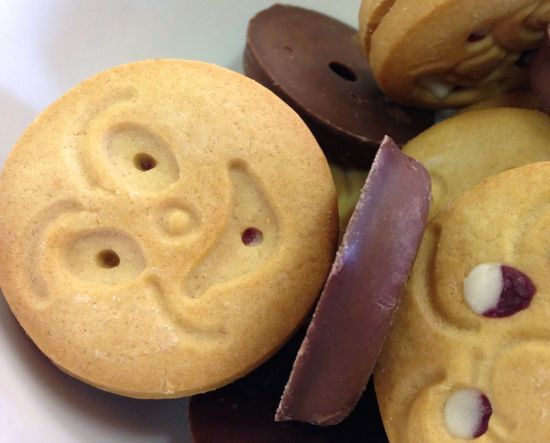 Cookies for eating. Cookies Confection Food Smile Smirk Freshness Chocolate Baked Baked Goods Close-up Indoors  No People Ready-to-eat Filling Sandwich Cookies