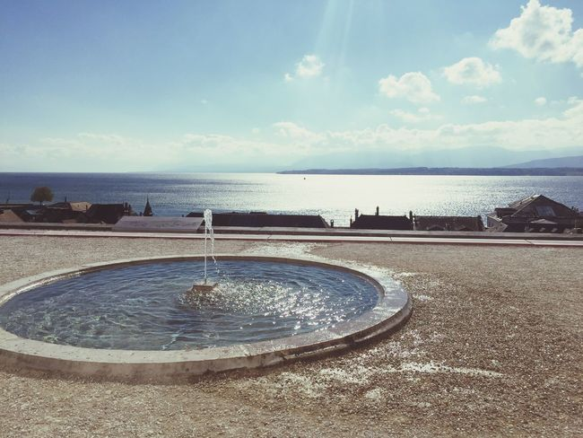 Suisse Fountain Sky Lake View Horizon Over Water Beautiful Castle Tranquil Scene No People First Eyeem Photo Soleil Break The Mold