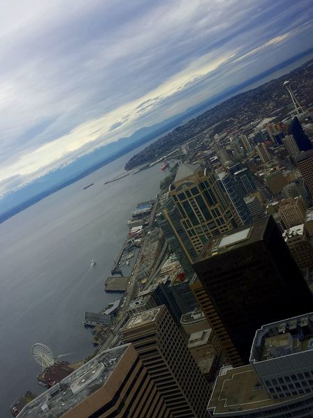 Every view es diferent it depents of you!Seattle Space Needle Faris Wheel Taking Photos Discover Your City Cityscapes Washington State PNW Sky And Clouds