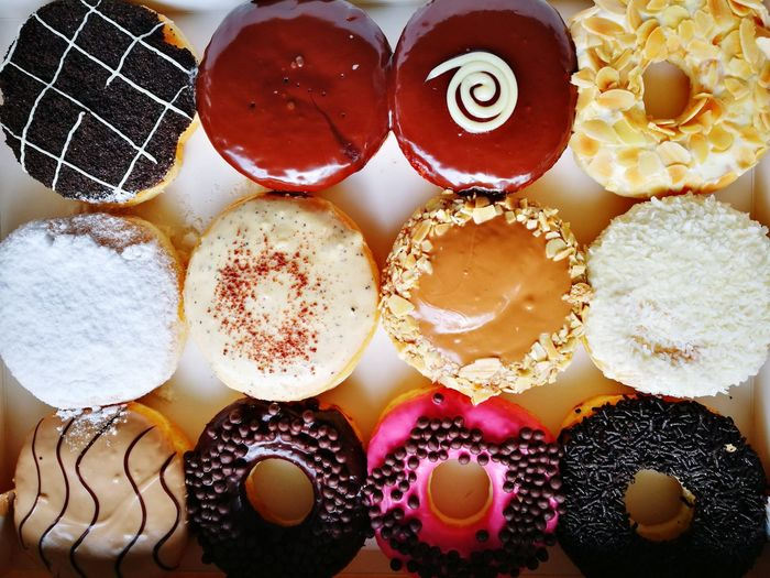 😋 Sweet Food Directly Above Indulgence Temptation No People Food Indoors  Ready-to-eat Close-up Freshness Day Jcodonuts Donuts❤❤❤❤👌👌 Donuts🍩