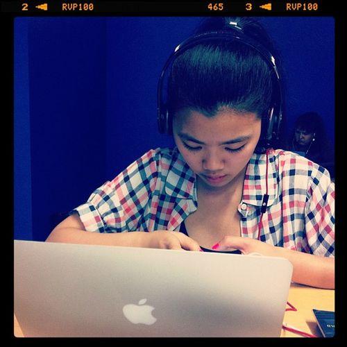 @lana1205 's MacBook Air so small and thin. Hahaha but its pretty! Technology Study Instastudy Apple hsc stressed mac macbookair mathematics
