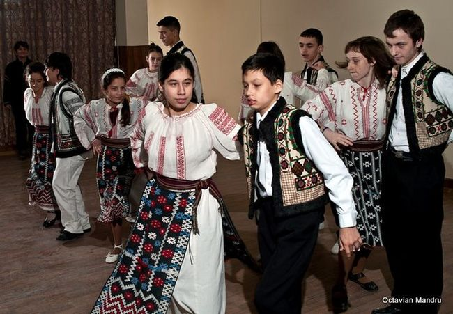 Galati City Romania Children Show Pentax Folkart Dancing Around The World