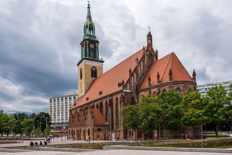 Marienkirche And The TV-tower In East Berlin Marienkirche Berlin-mitte Mitte Berlin Germany Deutschland Europe Church TV Tower Arch Architecture Berlin Photography Berlinstagram Berlin Mitte Berliner Ansichten Cloudy