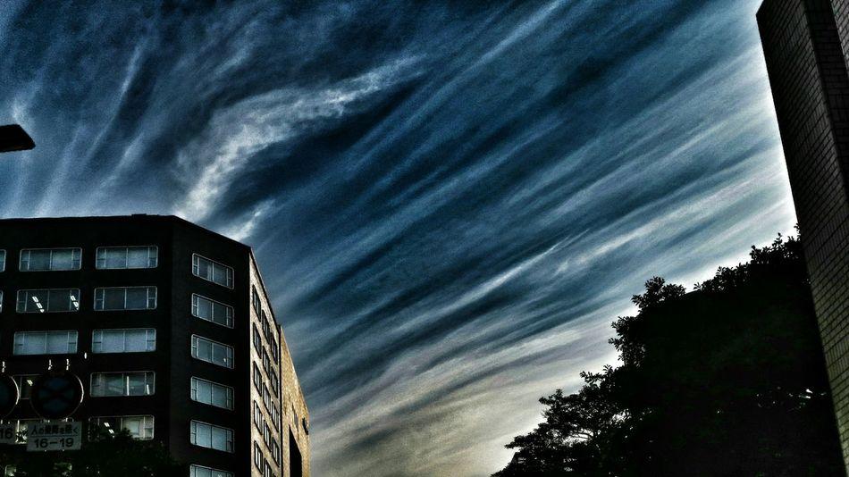 昨日の空! 最近、ダーク付いてるな~♪(*'艸`) シルエット部 ダーク部 Eyeem Silhouette Silhouettes Of A City Eyeem Best Shots - Silhouette EyeEm Best Edits Sky And Clouds Silhouette Silhouettes Sky Collection