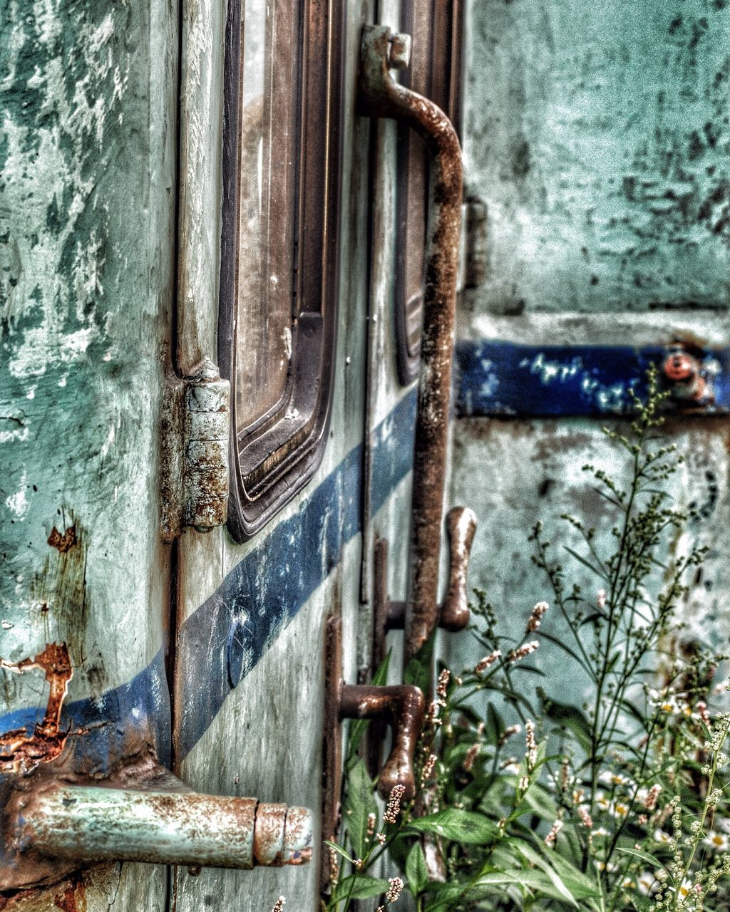 door, metal, day, rusty, no people, weathered, close-up, outdoors, architecture