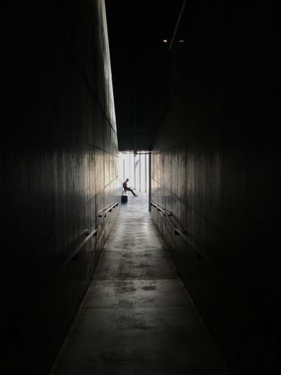 Beauty Of Light Zen Silence Shadow Tadao Ando Roppongi Tokyo Architecture 21_21 Desing Sight Architecture The Way Forward Direction Built Structure Wall - Building Feature Day Indoors  Real People Tunnel Light At The End Of The Tunnel Diminishing Perspective EyeEmNewHere