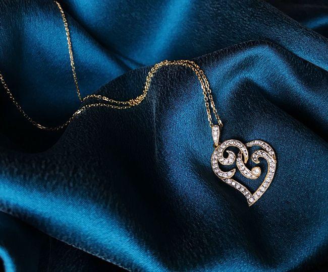 Pendant Chain Jewelry Gold Diamonds Heart Shape Heart Textile Blue Indoors  Close-up Pattern Fashion Full Frame Luxury Design