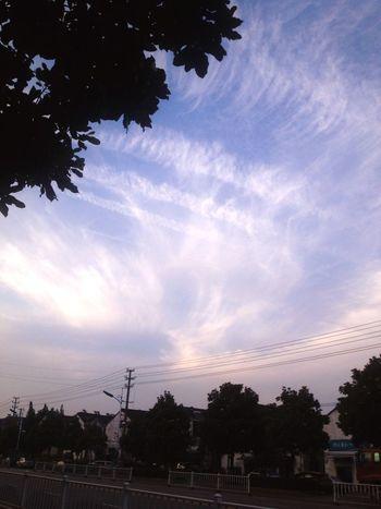 傍晚回家时的天空