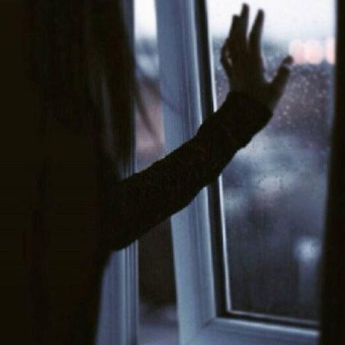وحُطت على عاتِق هذا اليوم أمنيات ودعوات وددت لو تفتح السمَاء أبوابها وتلتقطهَا آرِها نُور رحمتك يا الله 🌸