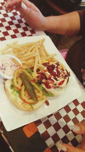 La espectacular Hamburguesa Ávila Burger Burgers Eating Hello World Arribavenezolanos