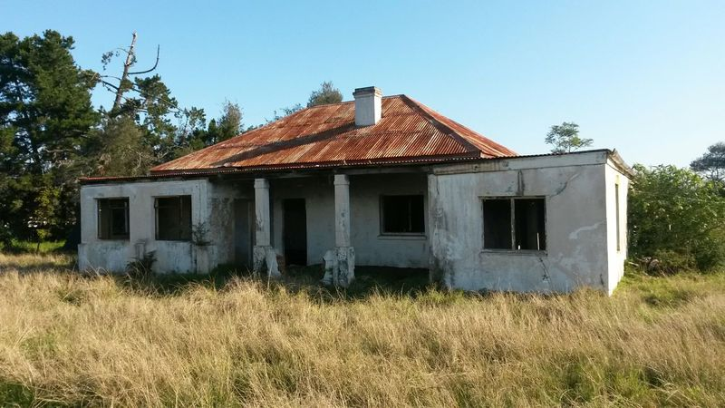 Oldbutawesome Old Buildings Oldhouse Beauty Abandoned Places Abandoned Buildings South Africa Beautiful View House Rusty Roof No Windows