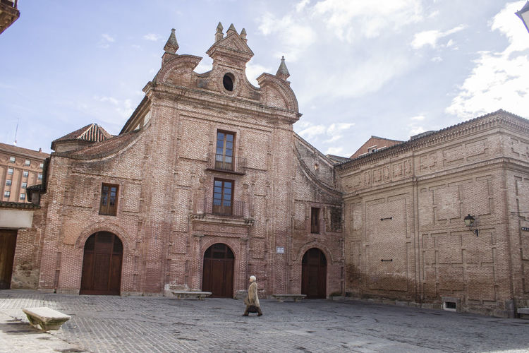 Architecture Building Exterior Built Structure Day Full Length History Medieval Museum Museum Of Ceramics Museum Ruiz De Luna Outdoors People Place Of Worship Sky Travel Destinations