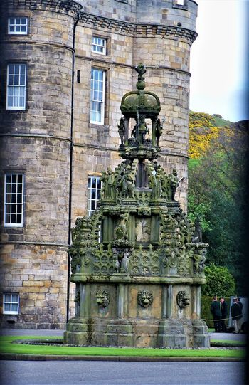 The Royal Mile, Edinburgh, Scotland Crown Edinburgh Royal Mile Scotland Scotland 💕 Scottish The Royal Mile Travel Travel Photography Architecture Art And Craft Building Building Exterior Built Structure City Day History Holyrood Palace Nature No People Old Outdoors Royal Stone The Past Travel Destinations The Traveler - 2018 EyeEm Awards The Great Outdoors - 2018 EyeEm Awards The Architect - 2018 EyeEm Awards