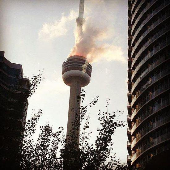 Who's smoking the CN Tower? Cntower Toronto Puffpuffpass