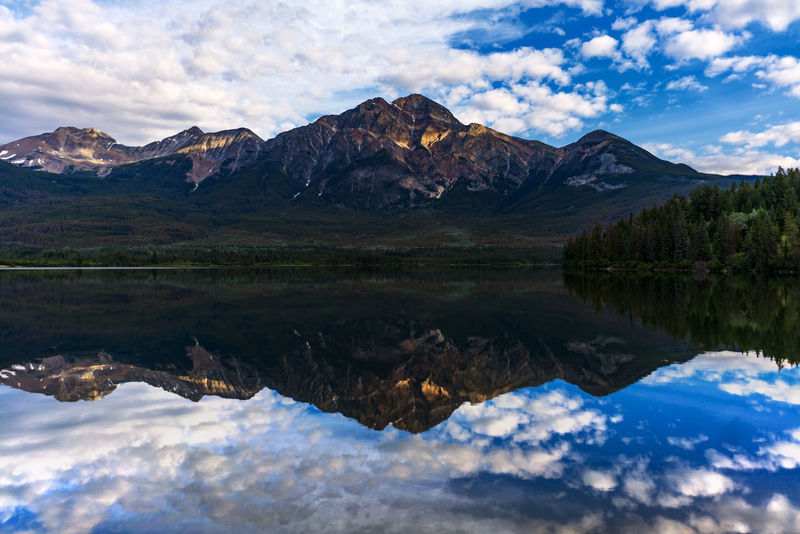 Pyramid lake. Beauty In Nature Canada Cloud - Sky Day Jasper National Park Lake Mountain Mountain Range Nature No People Outdoors Pyramid Lake Reflection Scenics Sky Water Sony A7RII Sony Alpha