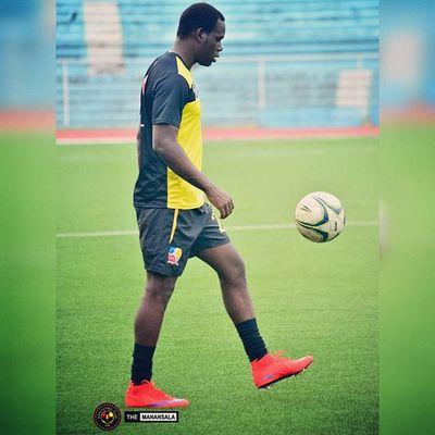 Happy birthday to @kayafc's @tishanhanley! 🎂 ⚽ 🎆 . . . Sbspotlight Soccerbible Unakaya KayaFC UFL unitedfootballleague bootspotting football themanansala