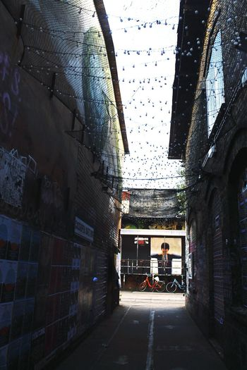 Alley No People Diminishing Perspective Outdoors Built Structure Building Exterior The Way Forward Architecture Built Structure Building Exterior The Way Forward Street Empty Narrow Sky Long Vanishing Point Day Diminishing Perspective Outdoors Leading Alley No People Firelights Berlin Neue Heimat