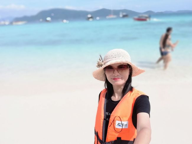EyeEm Selects Vacations Looking At Camera Leisure Activity One Woman Only Sea Beach Sand