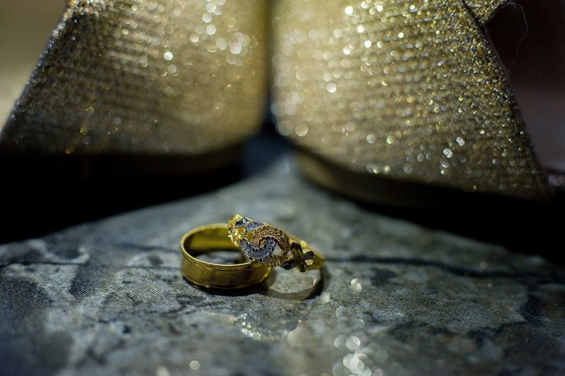 Wedding ring with blinking background Luxury Close-up Diamond - Gemstone Diamond Ring Ruby Precious Gem Platinum Engagement Gemstone  Engagement Ring Jewelry Diamond Shaped Semi-precious Gem Bling Bling Wedding Ring Ring Jeweller Jewelry Box