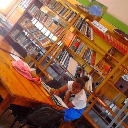 Readmore  Letsread Schoollibrary Jamaicaschool unifom iona caly_fornia